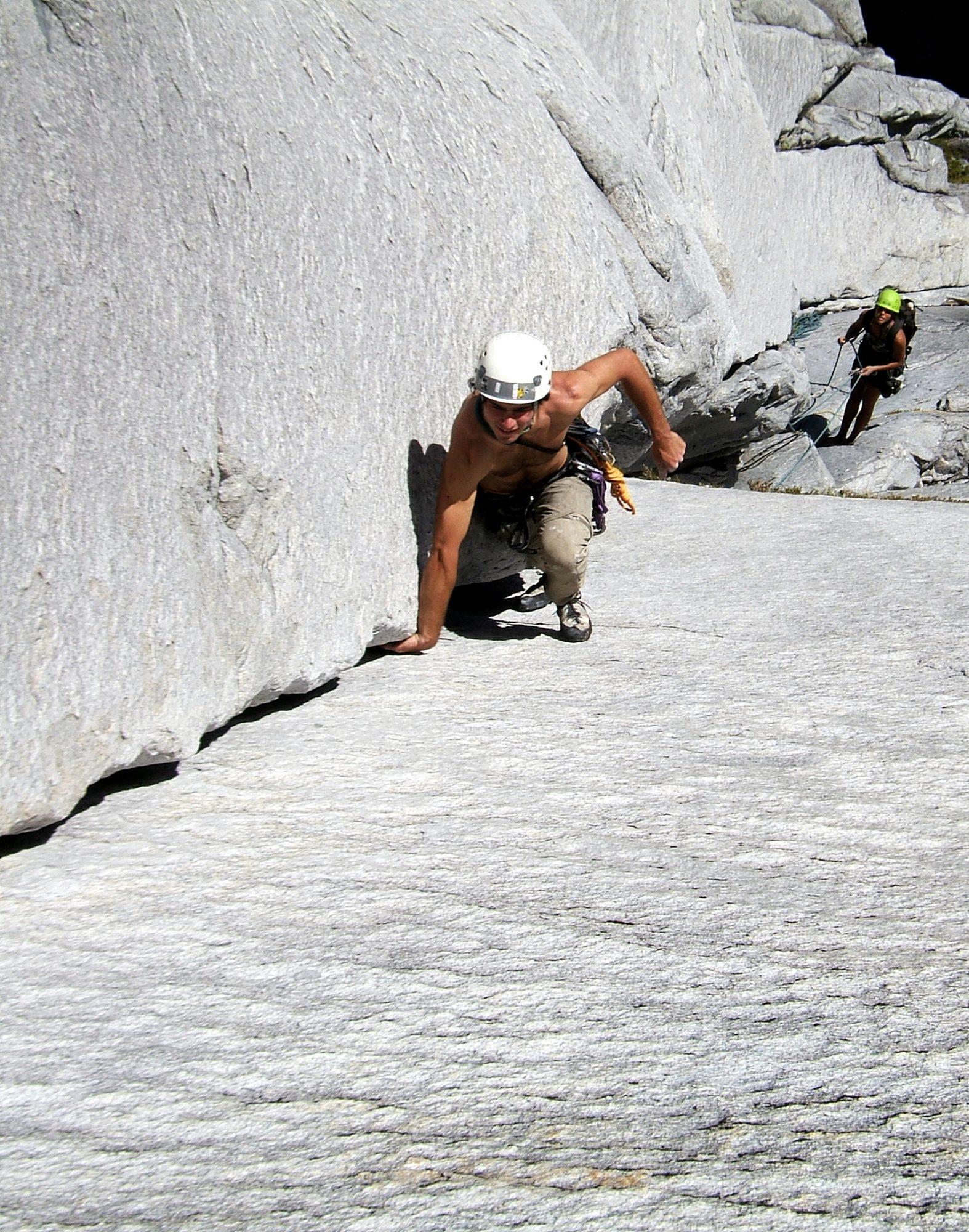 Subiendo el 5° largo de Camp Farm (5.10c, 300 m) en Cerro La Junta - Valle La Junta. © Jens Richter